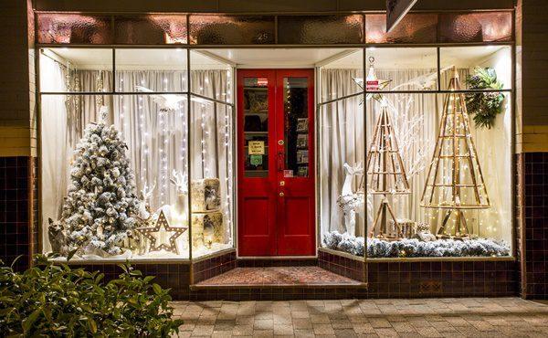 Nest & Burrow's Christmas Windows – Gift Guide Online Nov 2016
